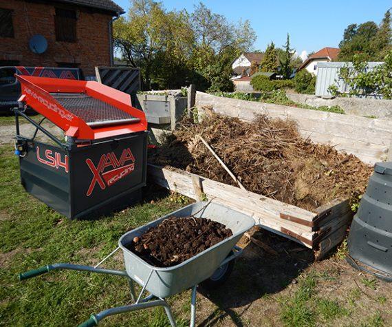 XAVA-Ruettelsieb-Siebmaschine_Vibrating-Screen_LS14_Kompost-sieben_Compost-screening